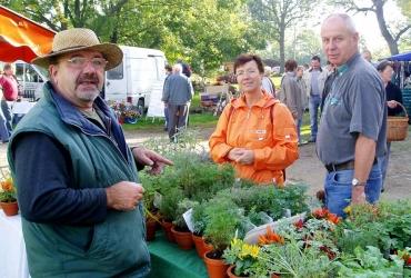 bunte Angebotsvielfalt auf dem Ostelbischer Bauernmarkt